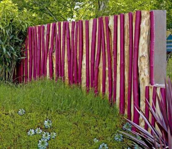 moderne gartenzäune schaffen sichtschutz im außenbereich,