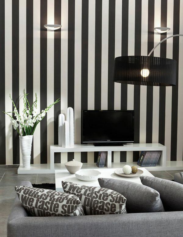 Gestreifte Wand In Schwarz Weiß Einrichtung
