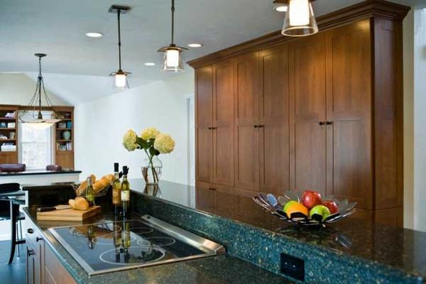 groß küchenschrank holz deckenleuchten kücheninsel