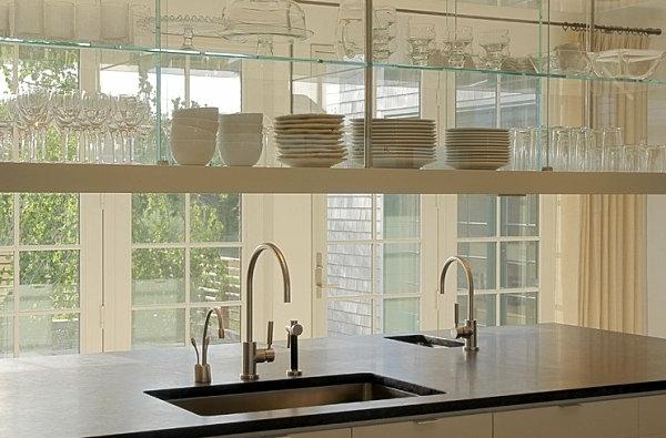 helle küche einrichtungsideen glasregale