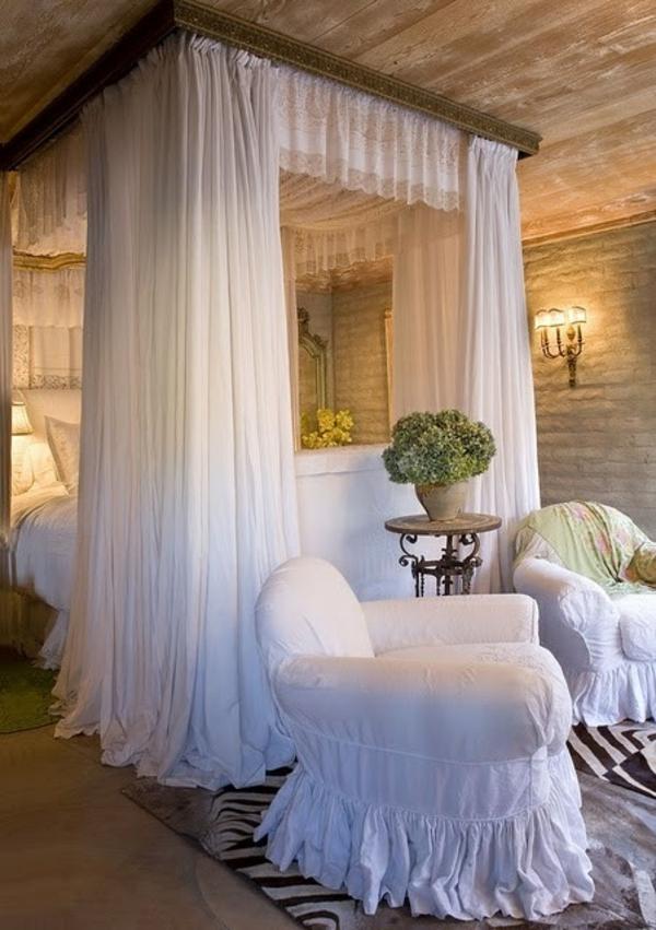 Himmelbett Und Prchtige Dekoration Schlafzimmer   Himmelbett Luxus