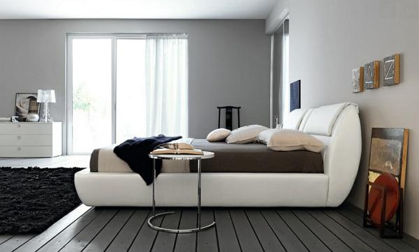 holz bretter grau beistelltisch metall schlafzimmer einrichten