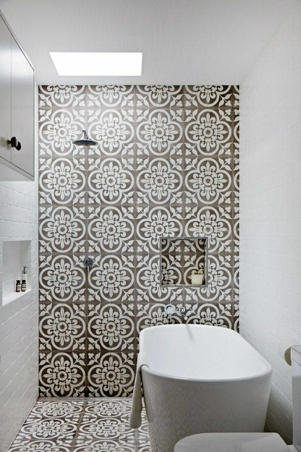 ideen für inneneinrichtung badezimmer bodenbelag floral elemente