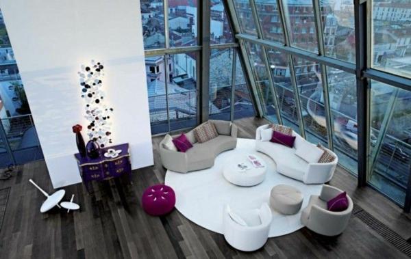 ideen für inneneinrichtung wohnzimmer weiß lila akzente