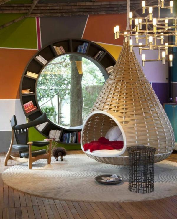 inneneinrichtung ideen wohnzimmer hängendes bett rundes regal