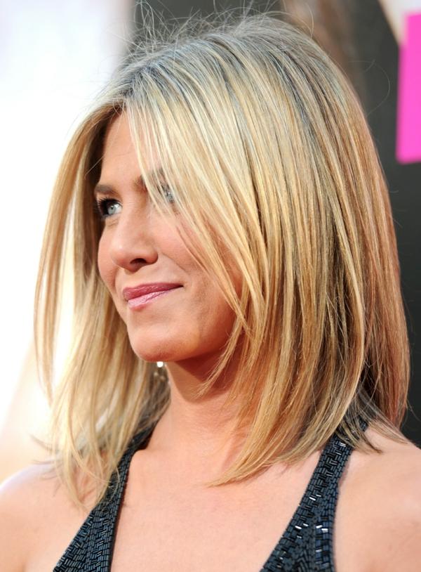 jenifer aniston frisuren für schulterlanges haar blond glatt