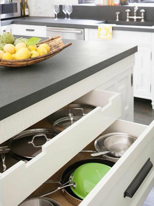 kücheninsel trendy kochen einrichten staufläche moderne Küche mit Kochinsel