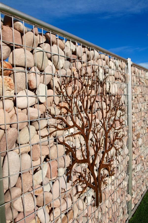 kieselsteine gabione bauen dekorativer baum