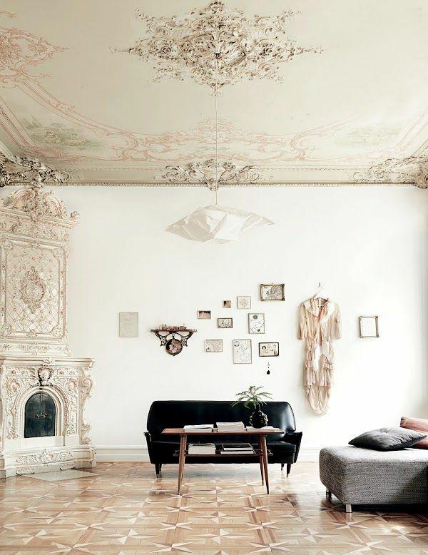 klassische interior gestaltung ornamentenreich sofa tisch