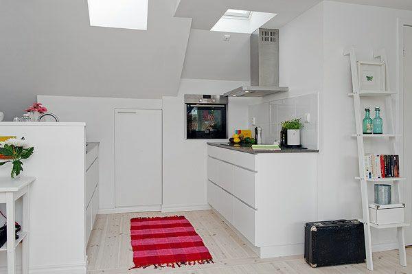 kleine küche am dach in weiß wohnideen treppe