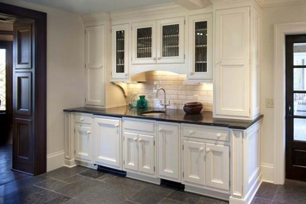 kleine küche einrichten traditionell küchenrückwand fliesen