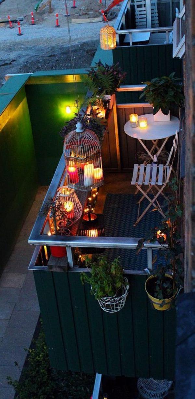 kleine terrasse kerzen gemütliche atmosphäre