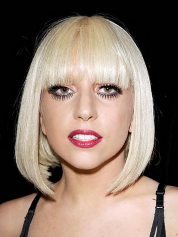 lady gaga frisuren schulterlanges haar blond bob pony