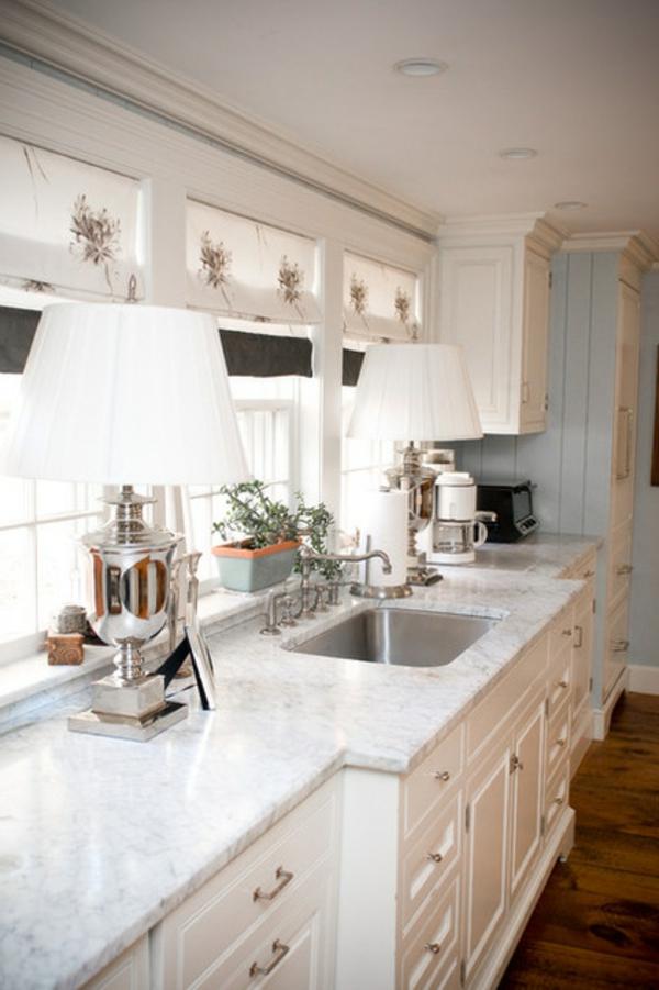 landhausküche weiß traditionell küchengestaltung
