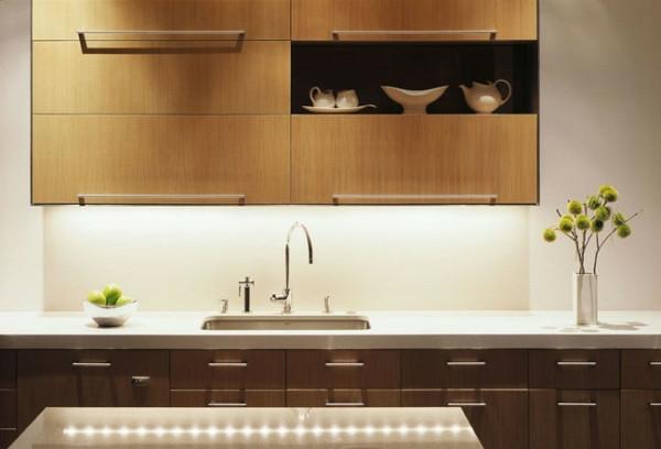 leuchtend küchenspiegel spüle schubladen küchenschrank