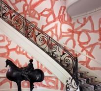 Märchenhafte Treppenteppiche bringen Kolorit