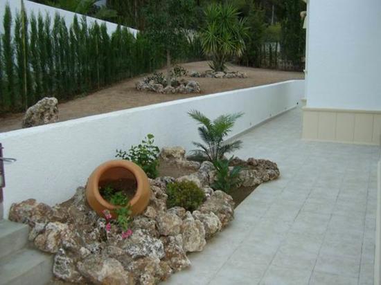 mediterrane gartengestaltung ideen mediterrane. Black Bedroom Furniture Sets. Home Design Ideas