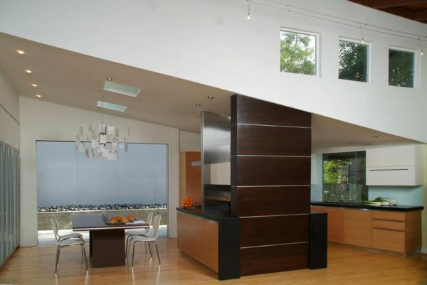 moderne Küche mit Kochinsel holz texturen dunkel