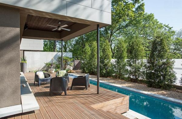 moderne architektur häuser garten mit pool gartenmöbel sitzecke