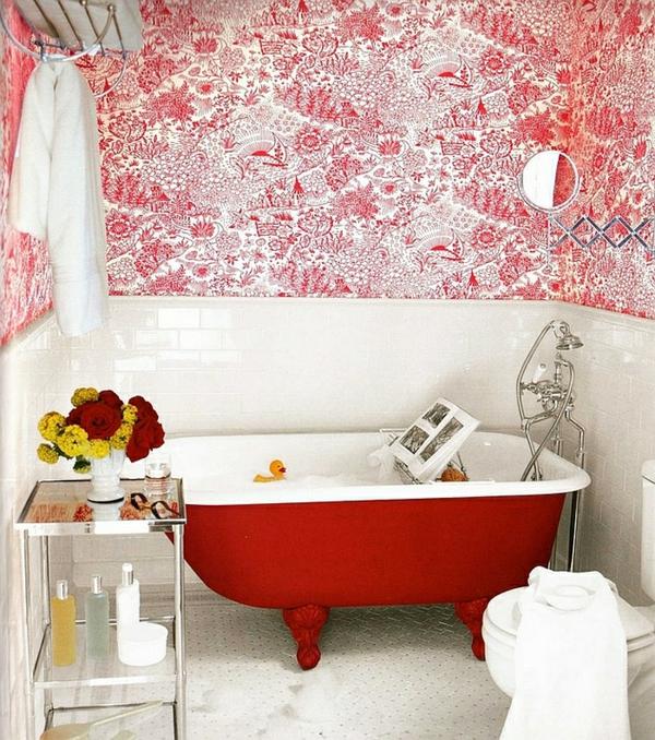 moderne badezimmer badmöbel freistehende badewanne rot weß
