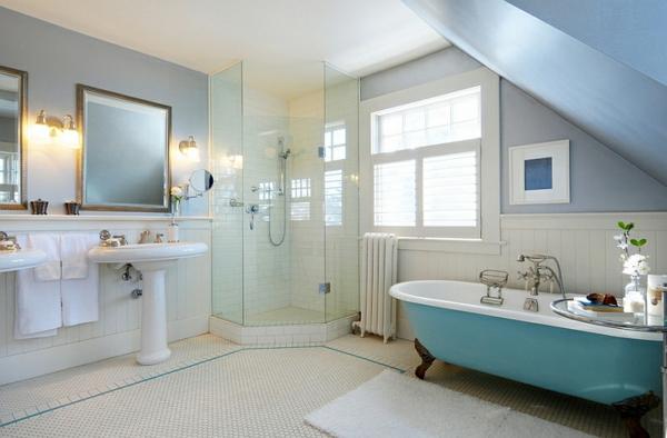 moderne badezimmer einrichten freistehende badewanne blau waschbecken