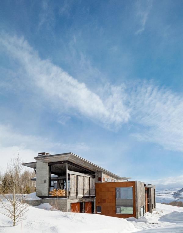 moderne berghütte kaufen blick im winter