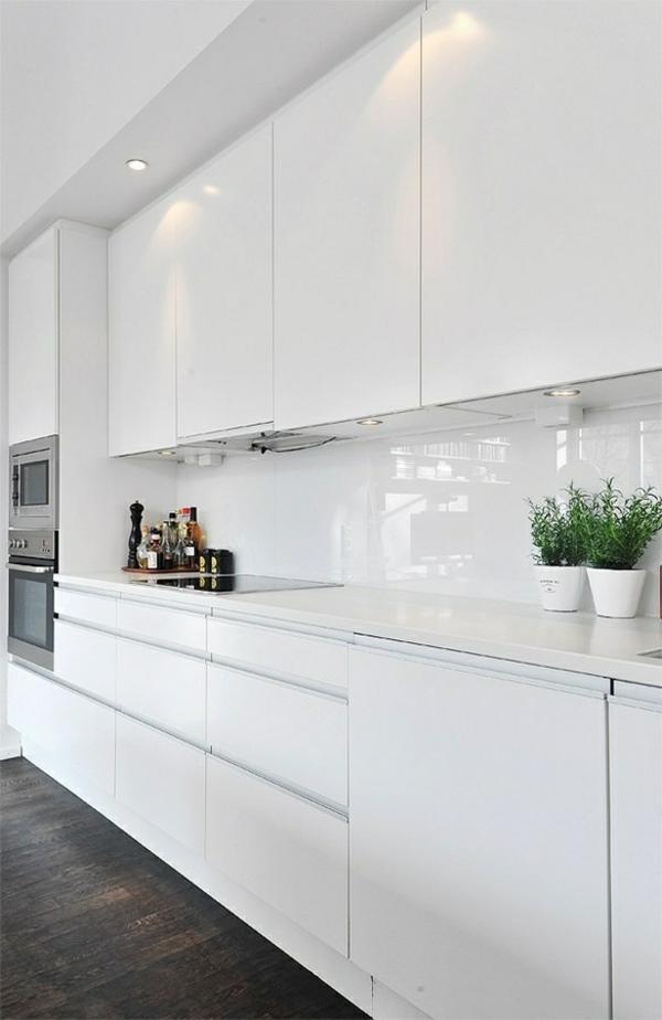 Moderne weiße Küchen  hochglanz einrichen eingebaut