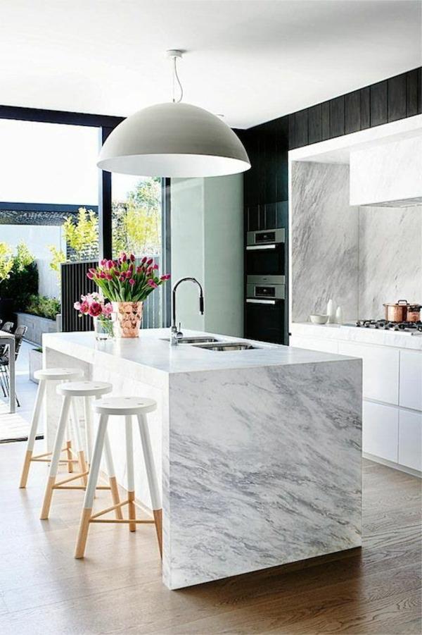 Moderne weiße Küchen weiß hochglanz marmor kücheninsel