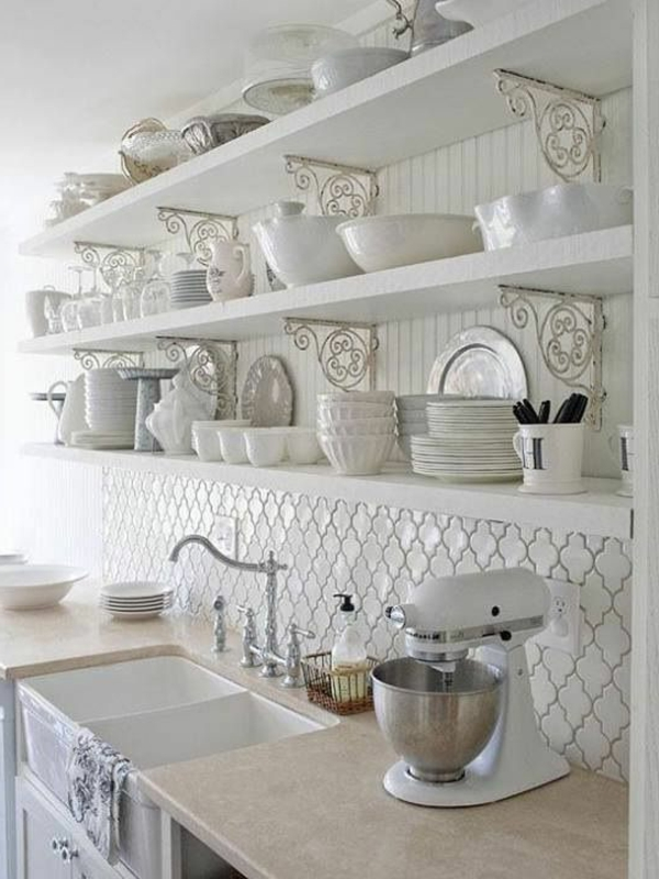 hochglanz regale fliesenspiegel Moderne weiße Küchen