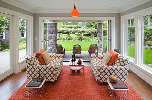 orange teppich streifen rauten beistelltisch modern