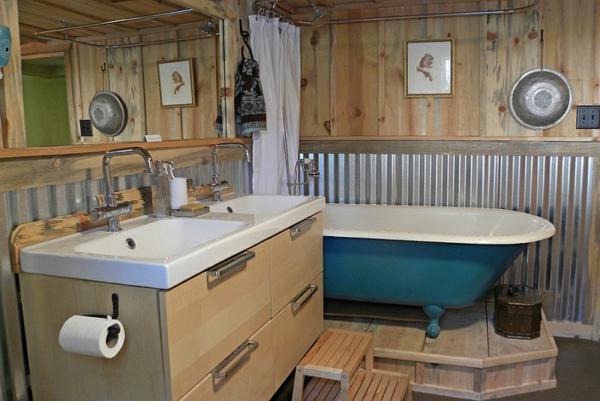 originelle badezimmer einrichten badmöbel freistehende badewanne