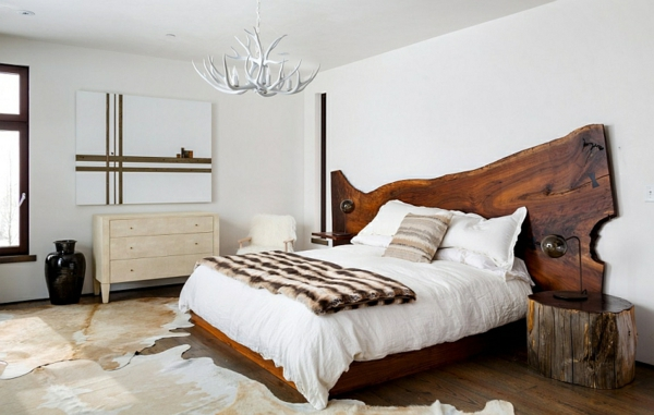 moderne schlafzimmer gestaltung mit schrge weie textilien sessel ... - Schlafzimmergestaltung