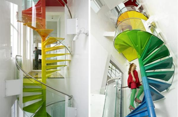 regenbogen farbiges treppenhaus spiralform