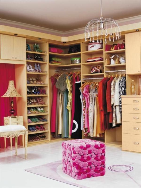rosa fell hocker quadratisch kronleuchter ankleidezimmer
