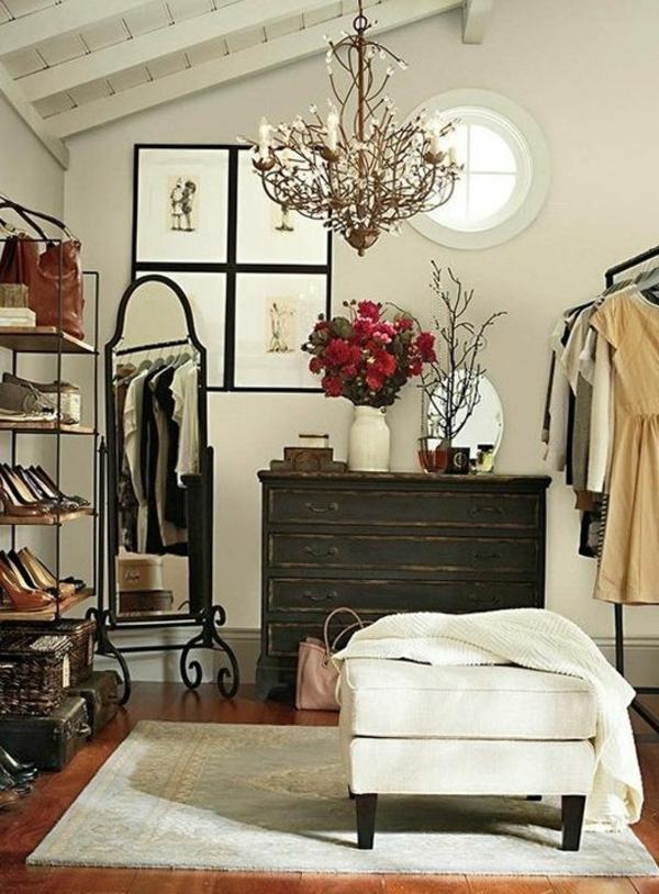 Modernes Ankleidezimmer einrichten   Schrank mit Spiegelfronten