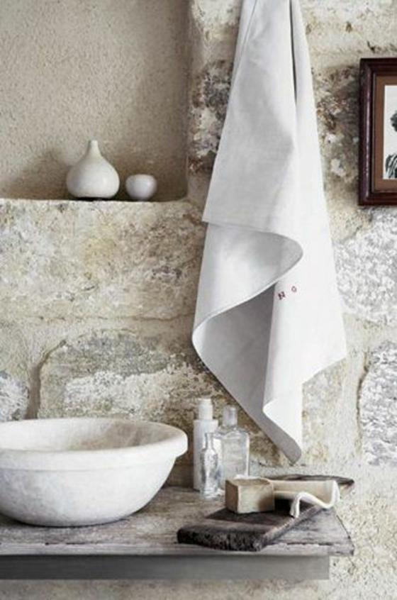 rustikale badezimmer möbel waschbecken handtuch steinwand