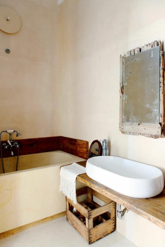 rustikale diy badmöbel badezimmer holzkiste badewanne wandspiegel