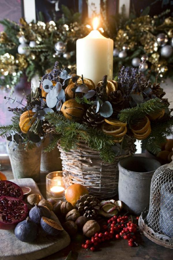 schöne dekoration für weihnachten mit tannenzapfen zitronen
