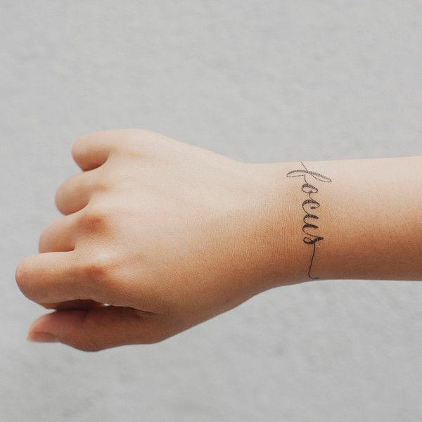 schöne ideen für handgelenk tattoo