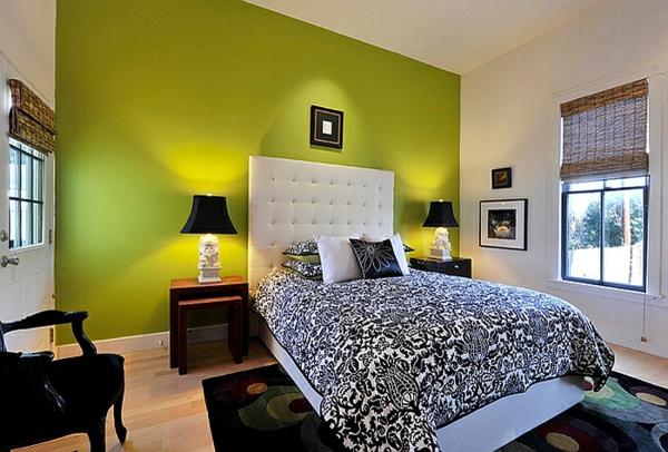schlafzimmer farben gelbe akzente bett leder kopfteil tischlampen