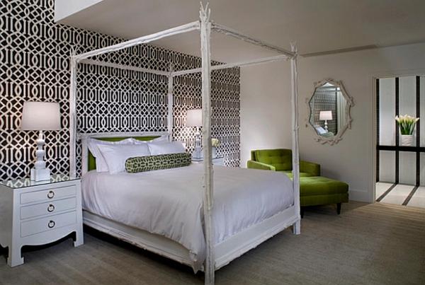 schlafzimmer farben ideen schwarz-weiße grüne akzente himmelbett
