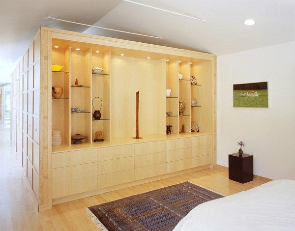 schlafzimmer asiatischer stil glas regalsystem