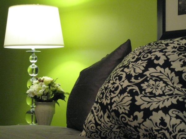 schwarz akzente schlafzimmer bett dekokissen