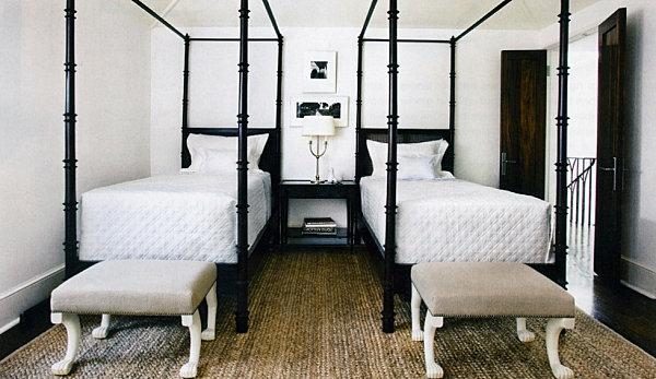 schwarze Schlafzimmermöbel bett pfosten bettbank