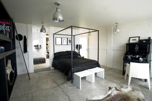 schwarze Schlafzimmermöbel bett pfosten himmelbett schick