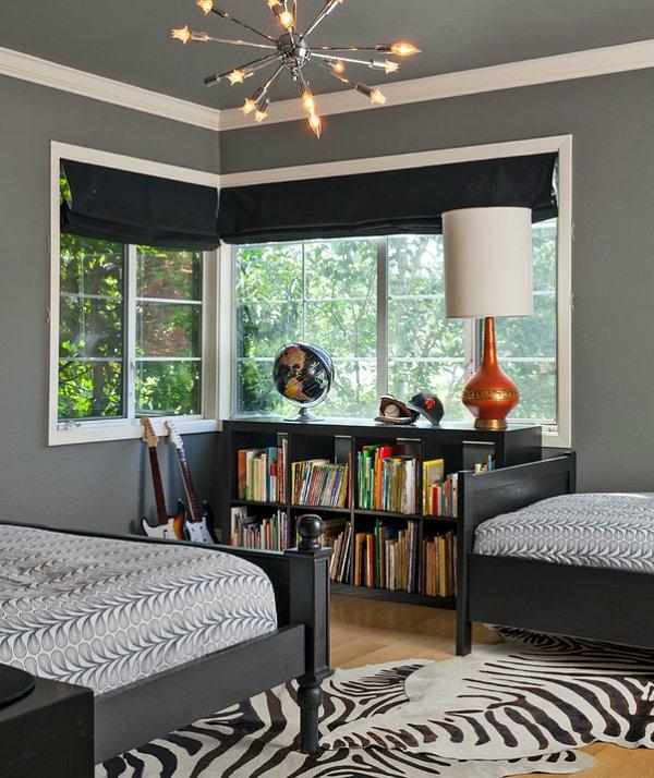 zebramuster  schwarze Schlafzimmermöbel  bibliothek tischlampe