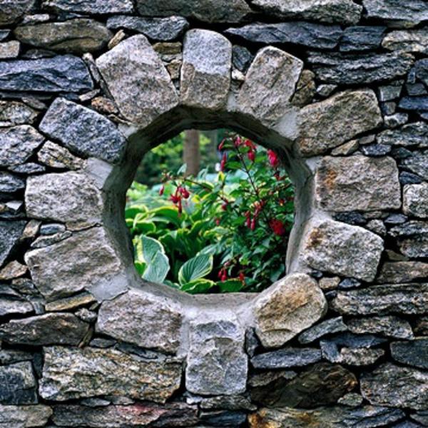 steinmauer blumenmuster loch exterior