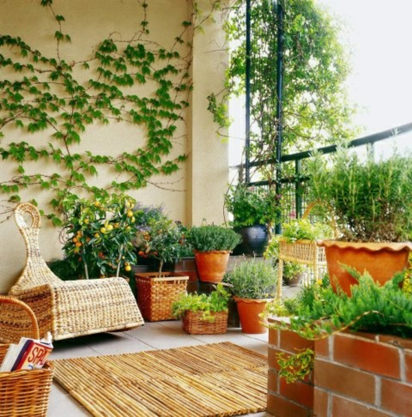 terrassengestaltung bilder rattan möbel übertöpfe