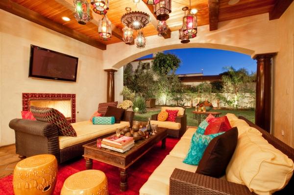 terrassengestaltung ideen rattan gartenmäbel couchtisch orientalisch hängeleuchten