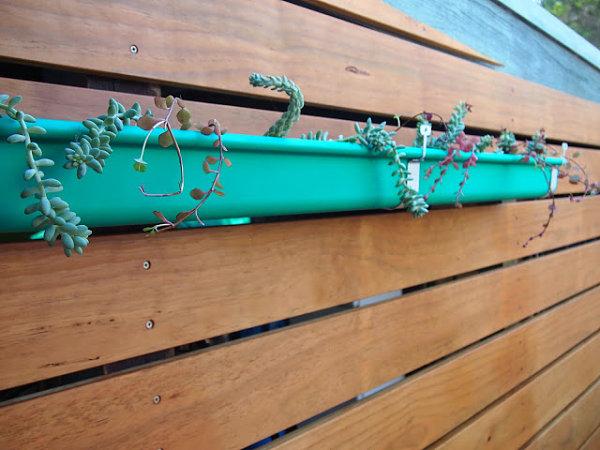 terrassensichtschutz balkon holzdielen diy projekte außenbereich balkonpflanzen